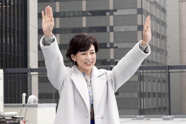 「SUITS/スーツ」鈴木保奈美クランクアップ(C)フジテレビ