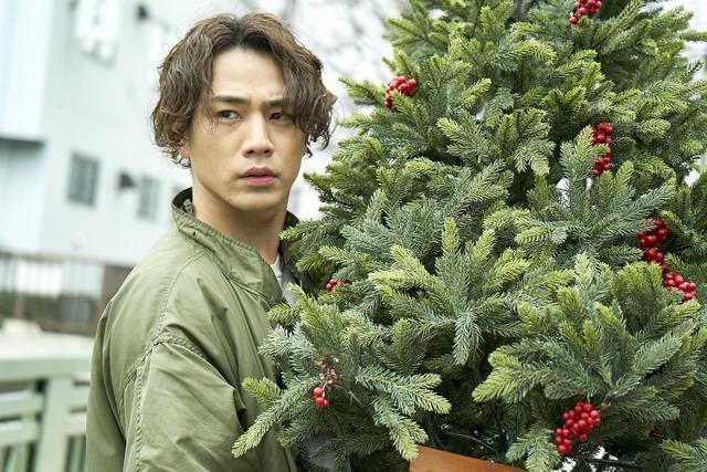『雪の華』クリスマスカット (C)2019 映画「雪の華」製作委員会