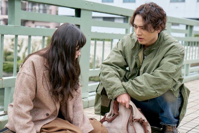 『雪の華』出会い (C)2019 映画「雪の華」製作委員会