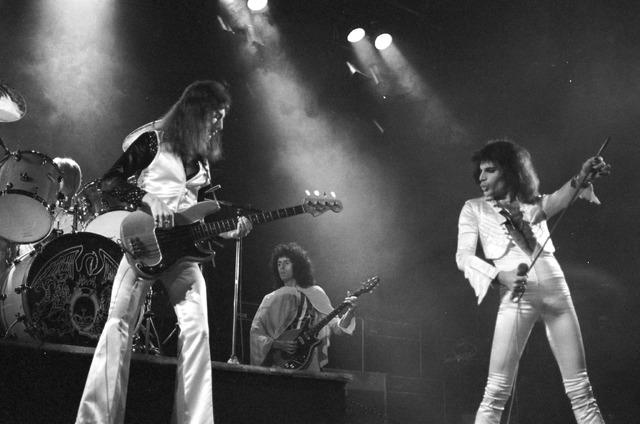 「クイーン オデオン座の夜 ~ハマースミス 1975」