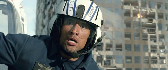 ドウェイン・ジョンソン/『カリフォルニア・ダウン』(C)2015 VILLAGE ROADSHOW FILMS (BVI) LIMITED, WARNER BROS.ENTERTAINMENT INC. AND RATPAC-DUNE ENTERTAINMENT LLC