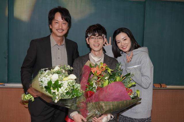 「3年A組 -今から皆さんは、人質です-」菅田将暉&椎名桔平クランクアップ  (C) NTV
