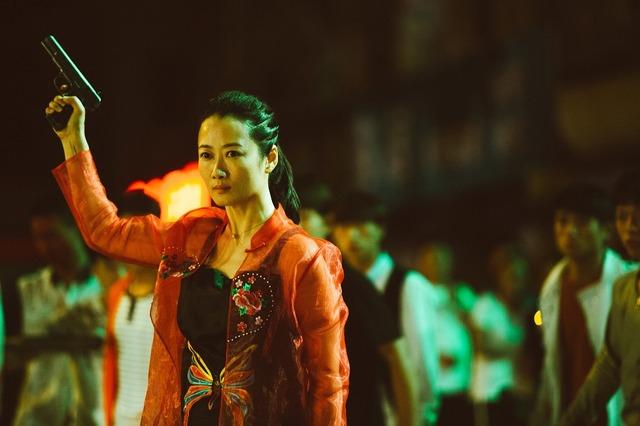 『帰れない二人』 (C)2018 Xstream Pictures (Beijing) - MK Productions - ARTE France Cinema