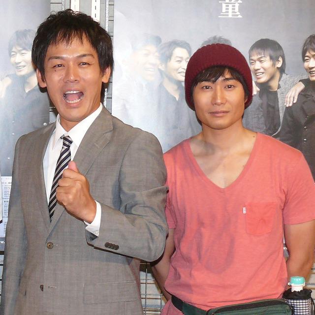 森崎博之、戸次重幸/「TEAM NACS」第15回公演「悪童」東京公演