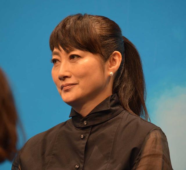 余貴美子/連続テレビ小説「半分、青い。」出演者発表会見