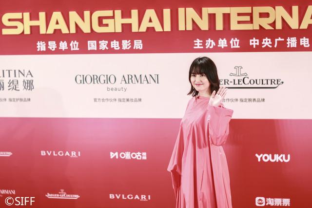 長澤まさみ『コンフィデンスマンJP』上海国際映画祭閉幕式レカペ (C)2019「コンフィデンスマンJP」製作委員会