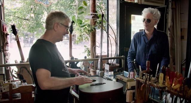 リックとジム・ジャームッシュ『カーマイン・ストリート・ギター』 (C)MMXVlll Sphinx Productions.
