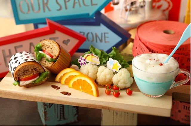 「トイ・ストーリー4」OH MY CAFE<ウッディ&ボー・ピープ>運命の再会プレート1,890 円※メニュー画像はイメージです。