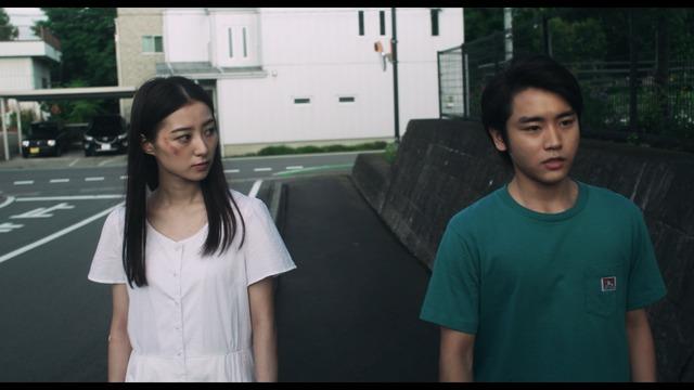 『なれない二人』(C)2018 映画『なれない二人』製作委員会