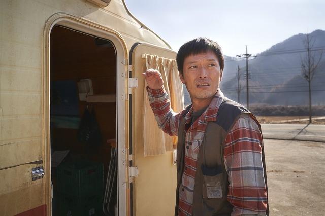 『感染家族』 (C) 2019 Megabox JoongAng Plus M & Cinezoo, Oscar 10studio, all right
