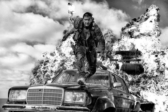『マッドマックス怒りのデス・ロード ブラック&クロームエディション』(C)2015 VILLAGE ROADSHOW FILMS (BVI) LIMITED (C)2016 WARNER BROS. ENT. ALL RIGHTS RESERVED