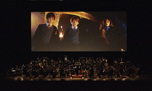 シネマ・コンサート『ハリー・ポッターと賢者の石』 HARRY POTTER characters, names and related indicia are (C) & TM Warner Bros. Entertainment Inc. Harry Potter Publishing Rights (C) JKR. (s16)