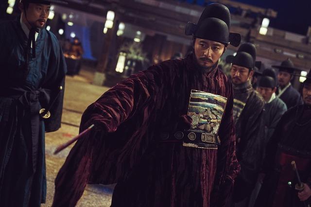 『王宮の夜鬼』 (C) 2018 NEXT ENTERTAINMENT WORLD & LEEYANG FILM & REAR WINDOW. All Rights Reserved.