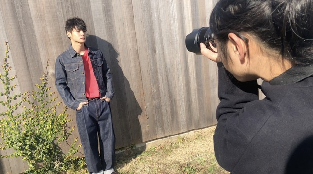 「窪田正孝×写真家・齋藤陽道 カレンダー2019」10月メイキングスチール※画像はイメージです。実際の商品とは異なります。