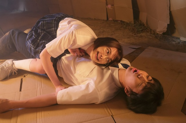 「anan」 伊藤健太郎&玉城ティナ