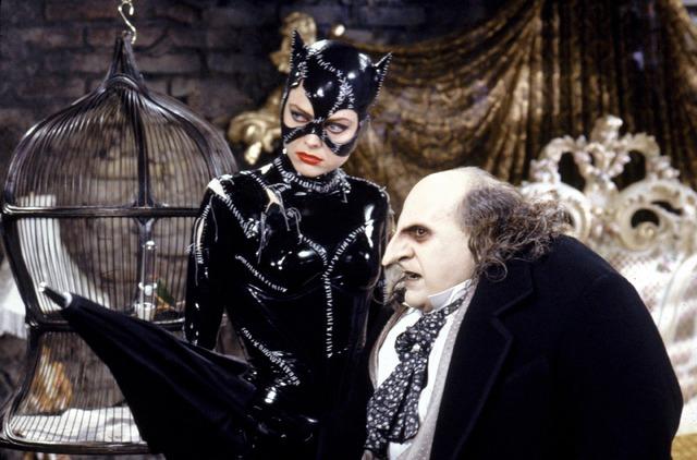怪人ペンギン&キャットウーマンとの闘い描く『バットマン