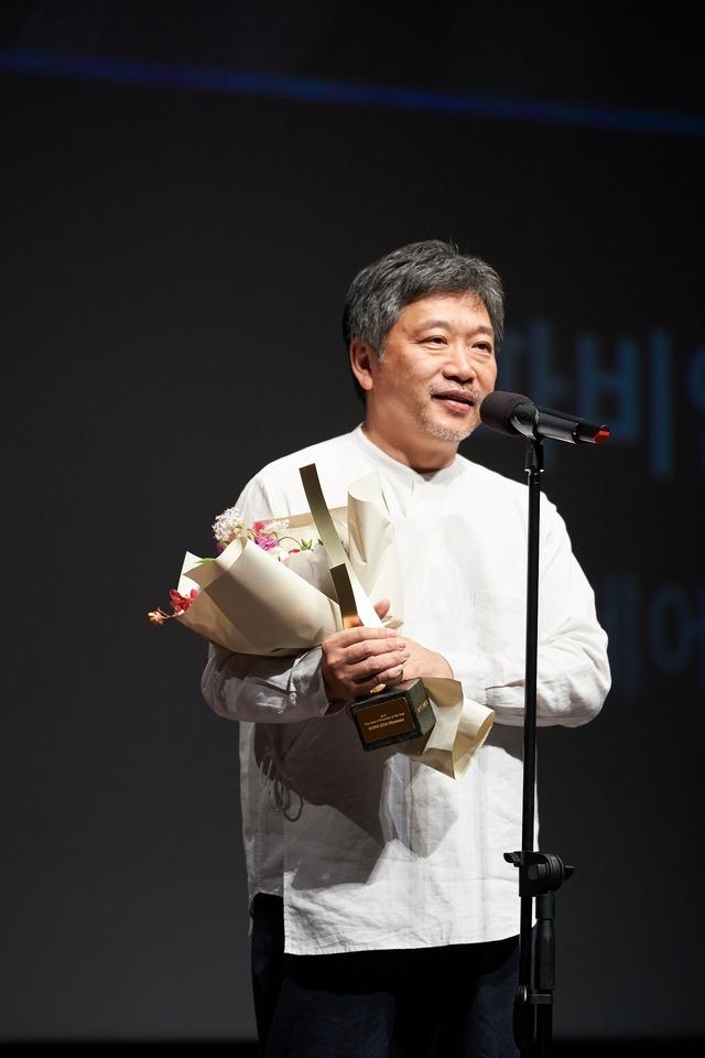 『真実』第24回釜山国際映画祭 (C)2019 3B-分福-MI MOVIES-FRANCE 3 CINEMA