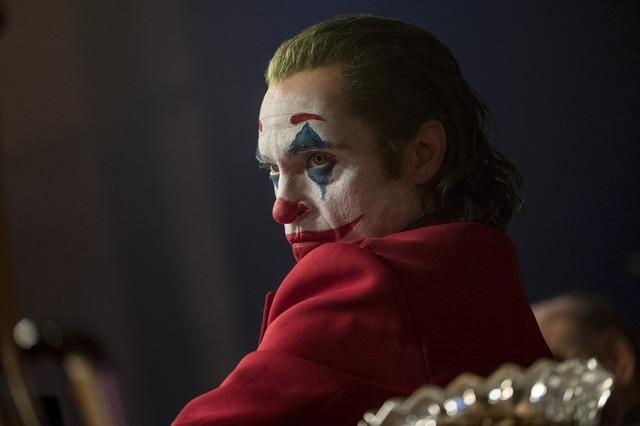 """『ジョーカー』 (C)2019 Warner Bros. Ent. All Rights Reserved"""" """"TM & (C) DC Comics"""""""