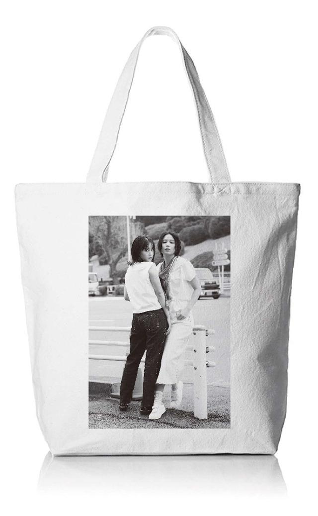 「OH MY SISTER! -広瀬姉妹・写真展-」オリジナルトートバッグ※商品はイメージです。デザインが変更になる場合がございます