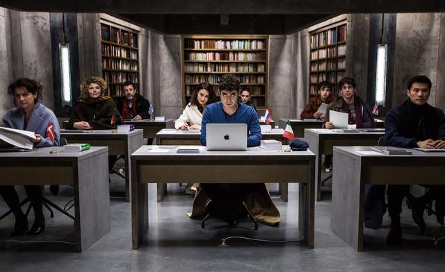 『9人の翻訳家 囚われたベストセラー』 (C)  (2019) TRESOR FILMS - FRANCE 2 CINEMA - MARS FILMS- WILD BUNCH - LES PRODUCTIONS DU TRESOR - ARTEMISPRODUCTIONS