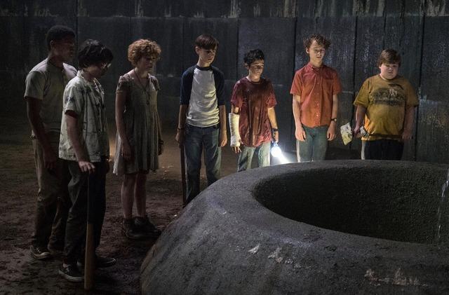 """『(IT/イット""""それ""""が見えたら、終わり。』(C)Warner Bros. Entertainment Inc."""