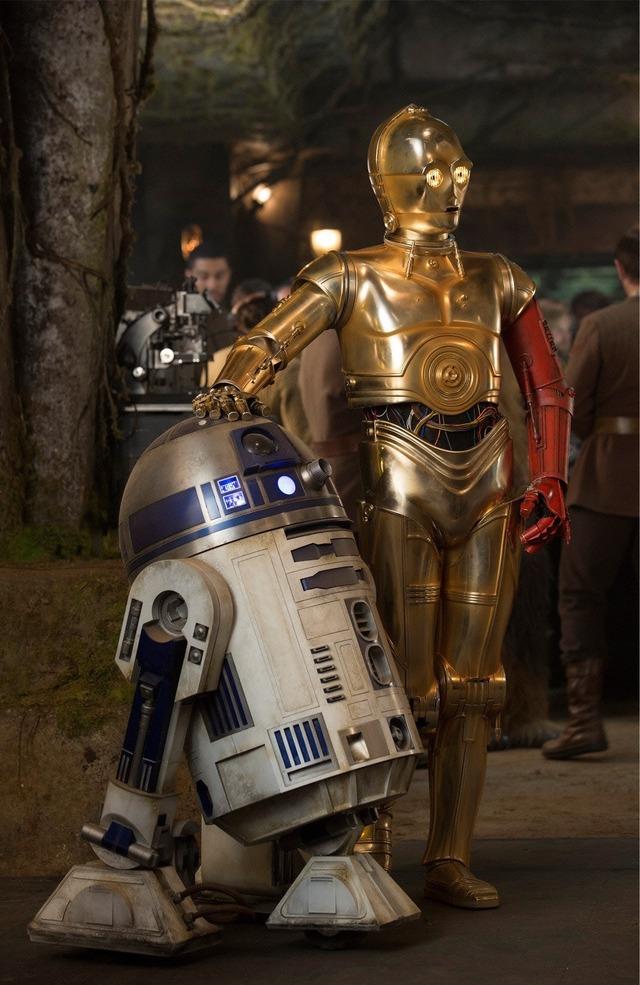 『スター・ウォーズ/フォースの覚醒』TM & (C)2015 Lucasfilm Ltd. All rights reserved.