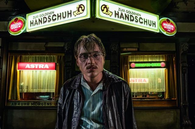 『屋根裏の殺人鬼フリッツ・ホンカ』 (C) 2019 bombero international GmbH&Co. KG/Pathe Films S.A.S./Warner Bros.Entertainment GmbH