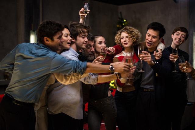 『9人の翻訳家 囚われたベストセラー』 (C) (2019) TRESOR FILMS - FRANCE 2 CINEMA - MARS FILMS- WILD BUNCH - LES PRODUCTIONS DU TRESOR  - ARTEMIS PRODUCTIONS