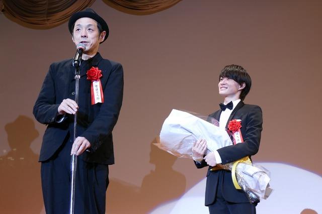 2020年第44回エランドール賞授賞式 神木隆之介 宮藤官九郎