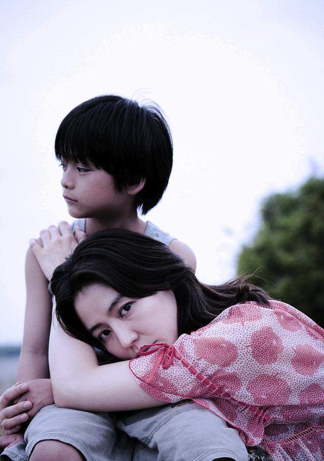 『MOTHER マザー』初夏、全国公開 (C)2020「MOTHER」製作委員会