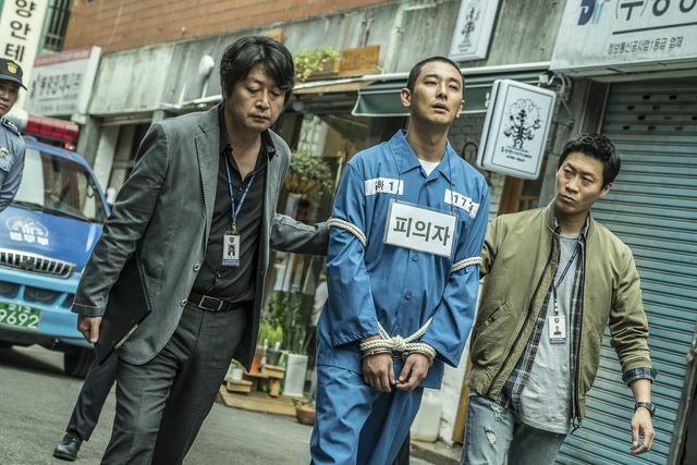 『暗数殺人』キム・ユンソク (C)  2018 SHOWBOX, FILM295 AND BLOSSOM PICTURES ALL RIGHTS RESERVED.