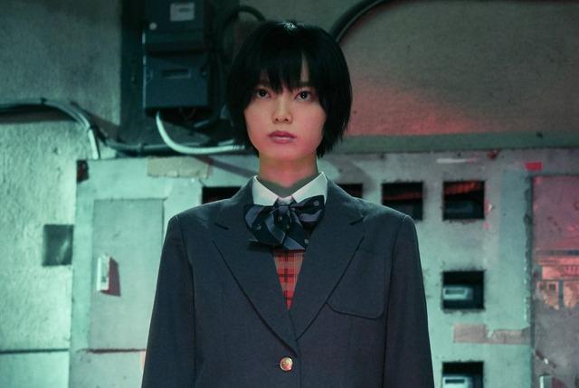『さんかく窓の外側は夜』(C)2020「さんかく窓の外側は夜」製作委員会 (C)Tomoko