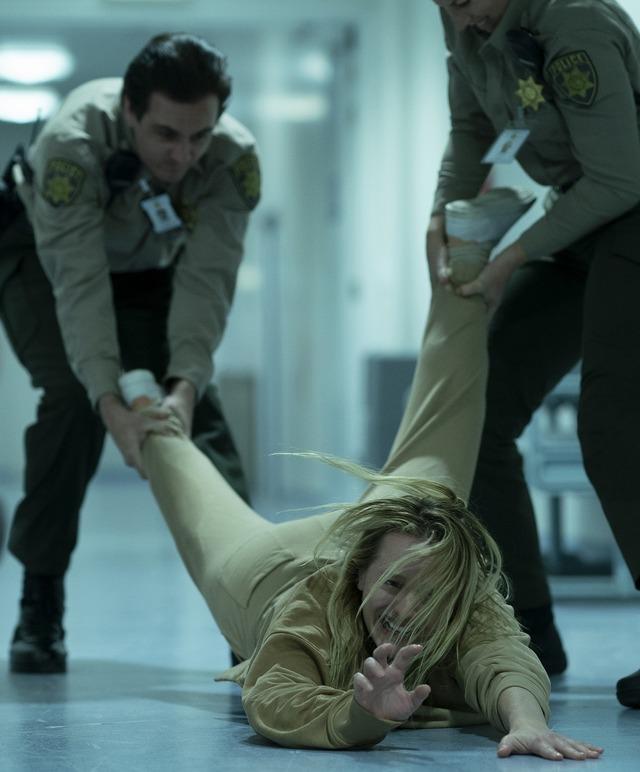 『透明人間』(C) 2020 Universal Pictures