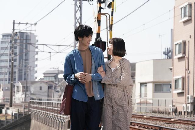 『甘いお酒でうがい』(C)2019 吉本興業