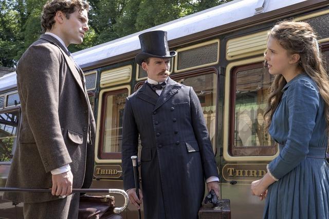 Netflix映画『エノーラ・ホームズの事件簿』独占配信中