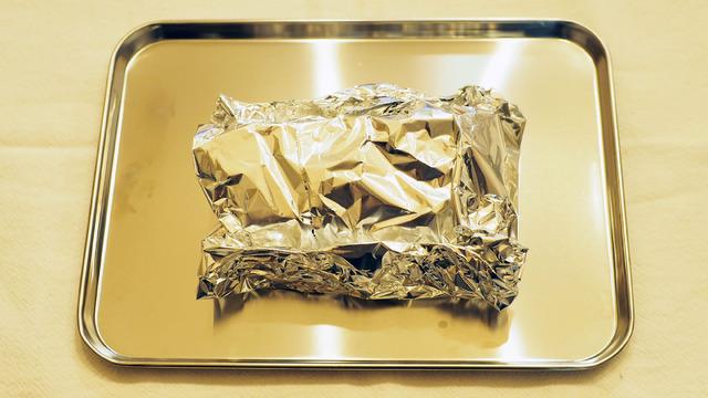 アルミホイルに包んでオーブントースターへ
