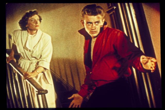 『理由なき反抗』(c) 1955 Warner Bros. Entertainment Inc. All rights reserved.