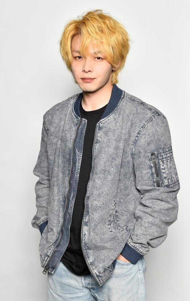 「珈琲いかがでしょう」金髪・中村倫也(C)「珈琲いかがでしょう」製作委員会