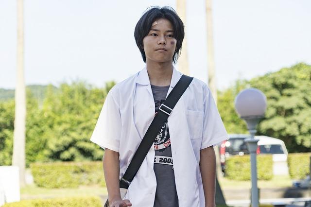 『太陽は動かない』日向亘(C)吉田修一/幻冬舎 (C)2020「太陽は動かない」製作委員会
