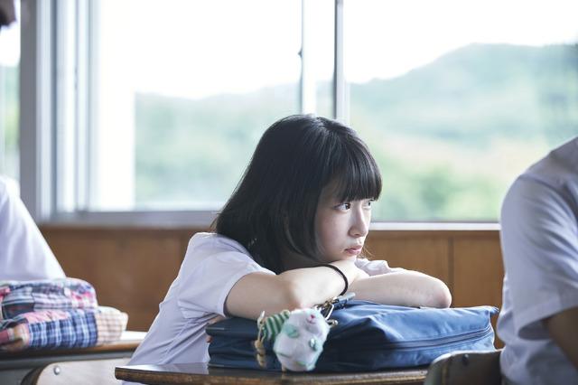 『うみべの女の子』(C)2021『うみべの女の子』製作委員会