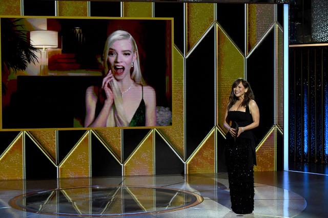 第78回ゴールデン・グローブ賞授賞式 Photo by Kevin MazurGetty Images for Hollywood Foreign Press Association (4)