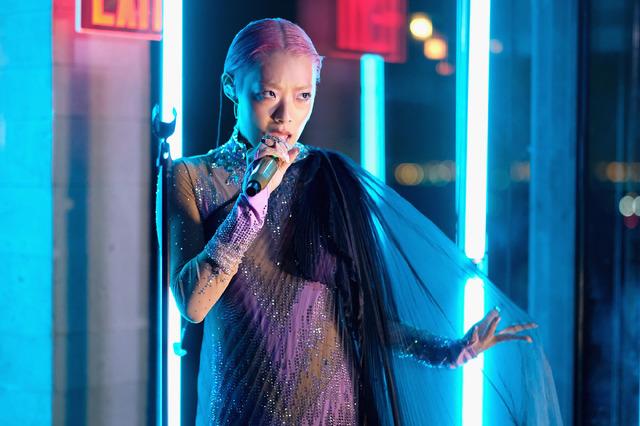 リナ・サワヤマ Photo by Dimitrios Kambouris/Getty Images for The Business of Fashion