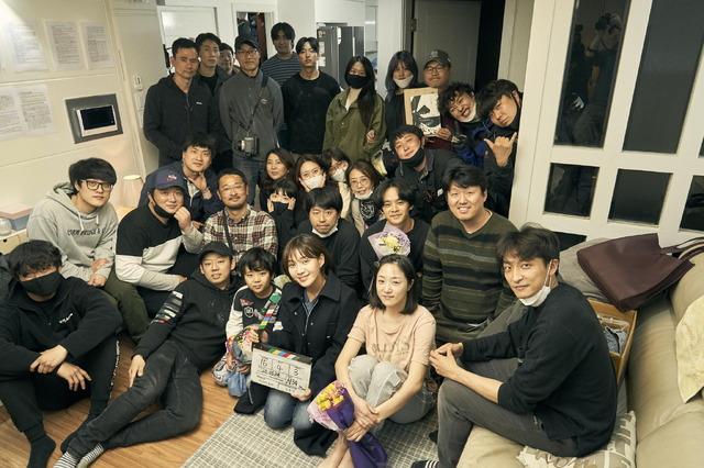 クランクアップ時写真 『アジアの天使』(C)2021 The Asian Angel Film Partners