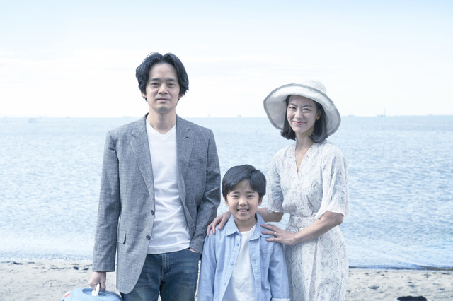 学が大切にしている家族写真 『アジアの天使』(C)2021 The Asian Angel Film Partners