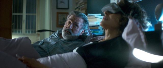 『ベル・エポックでもう一度』 (C) 2019-LES FILMS DU KIOSQUE-PATHÉ FILMS-ORANGE STUDIO-FRANCE 2 CINÉMA-HUGAR PROD-FILSUMEDIA