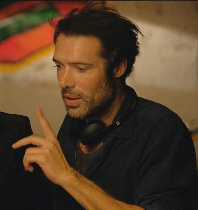 『ベル・エポックでもう一度』二コラ・ブドス監督 (C) 2019-LES FILMS DU KIOSQUE-PATHÉ FILMS-ORANGE STUDIO-FRANCE 2 CINÉMA-HUGAR PROD-FILSUMEDIA
