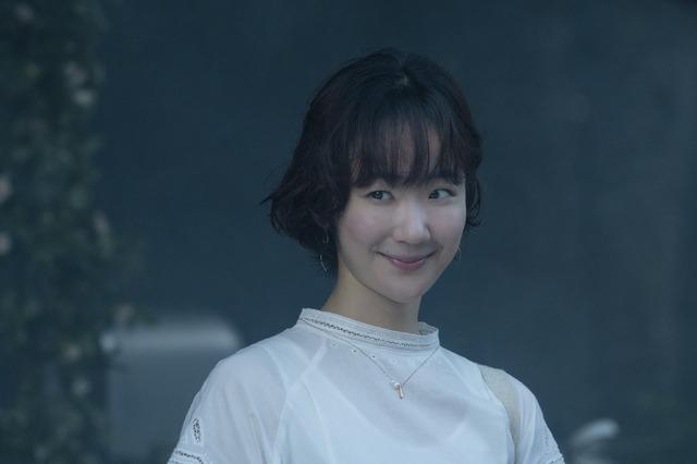 佐和子(黒木華)『先生、私の隣に座っていただけませんか?』(C)2021『先生、私の隣に座っていただけませんか?』製作委員会