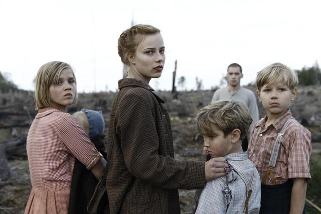 『さよなら、アドルフ』-(C) 2012 Rohfilm GmbH, Lore Holdings Pty Limited, Screen Australia, Creative Scotland and Screen NSW.